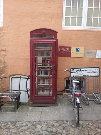 Bücherschrschrank Grisou Flensburg macht Spass